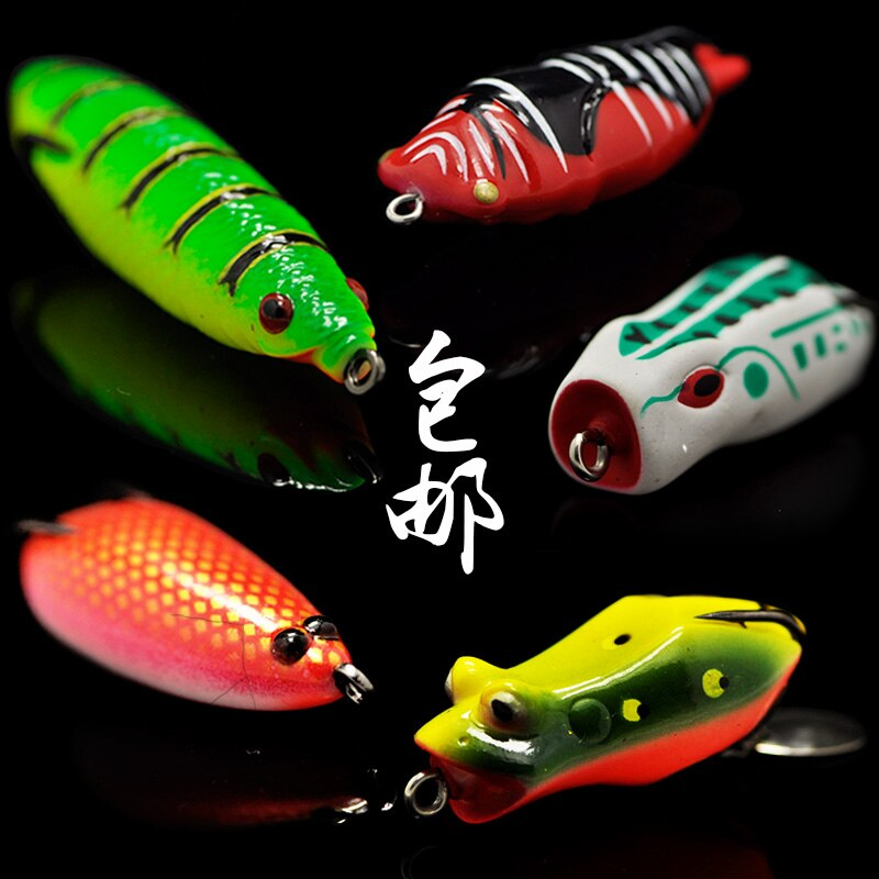catch fishes using frog lures