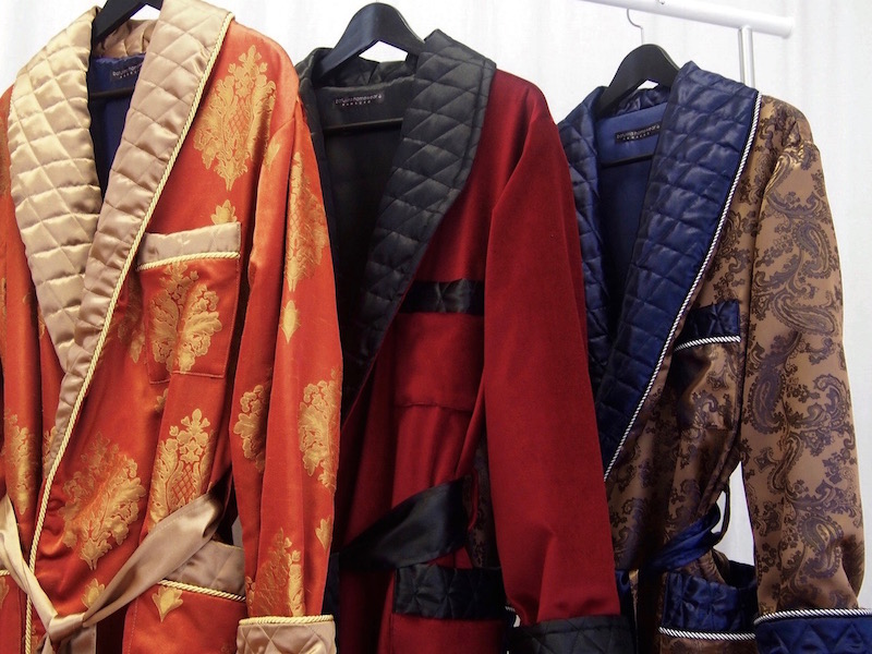 Get accessed to best silk robes